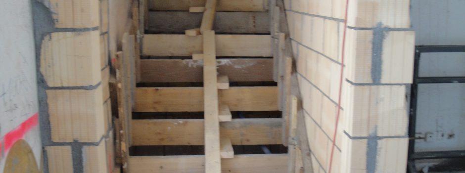 Raiffeisen Umbau/Innen Treppen Schalung 2012